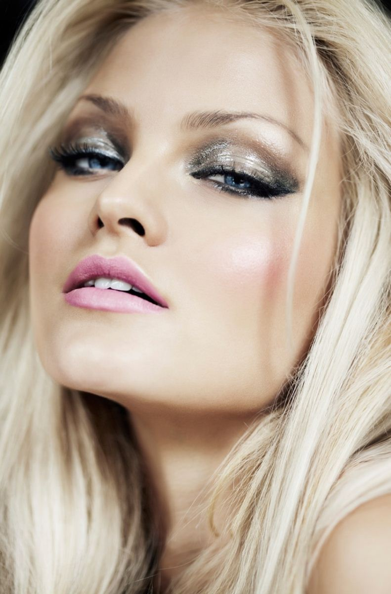 Glamour Girl 233 Llie Makeup
